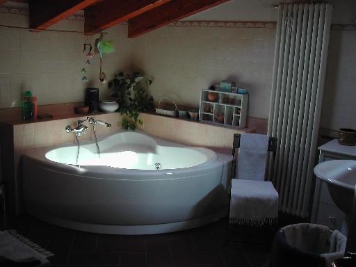 Dove dormire in brianza viaggio animamente - Vasca da bagno in camera da letto ...