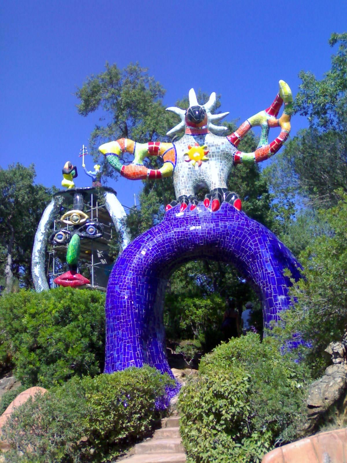 Il giardino dei tarocchi a capalbio viaggio animamente - Capalbio giardino dei tarocchi ...