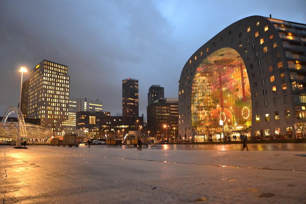 Rotterdam le case cubiche di Piet Bloom