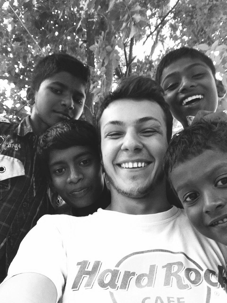 Volontario autonomo in India