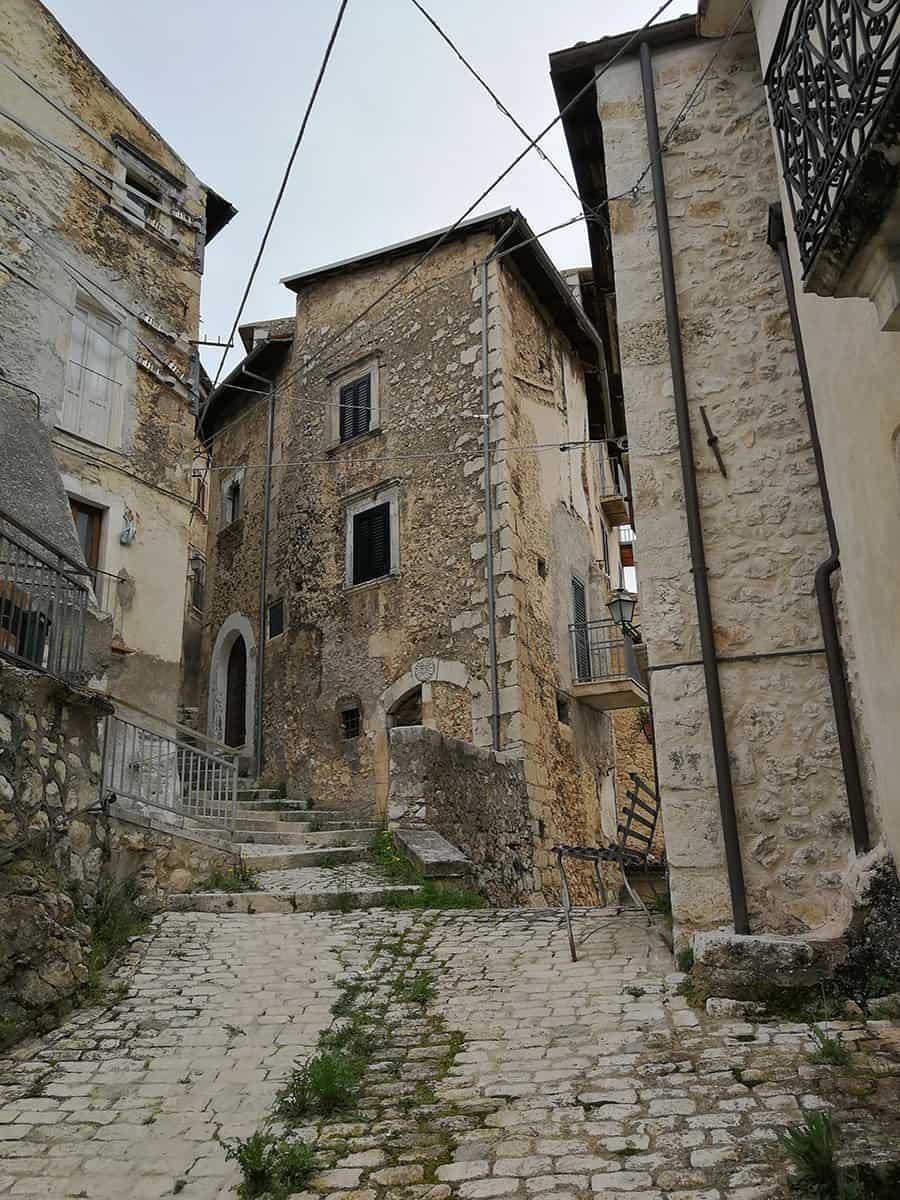Slow Tourism in Abruzzo: il borgo di Fontecchio